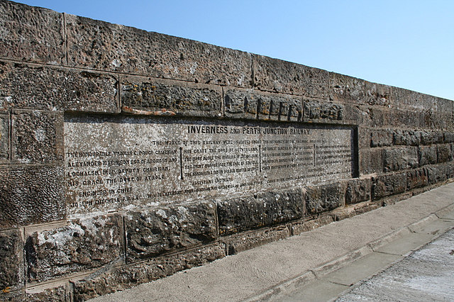Divie_Viaduct_sponsors_and_administrators_etched_in_stone_-_geograph_org_uk_-_376635