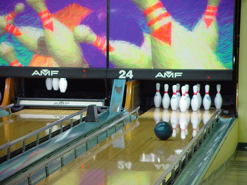 Bowling_ball_looking_good_for_a_strike
