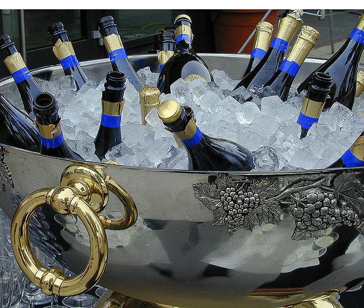 709px-Champagner_Kühler