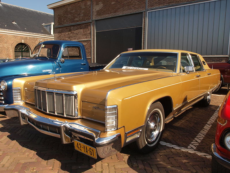 799px-Lincoln_Continental_(1972),_Dutch_licence_registration_42-YA-61_pic1