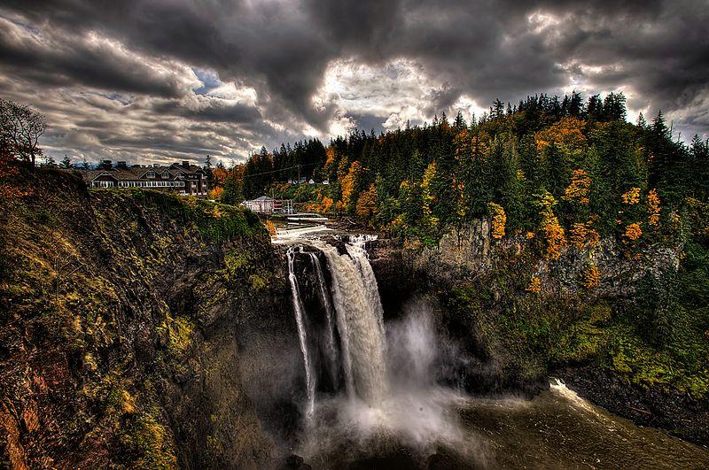 800px-Snoqualmie_Falls_Twin_Peaks