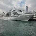 800px-HK_TST_Harbour_City_Ocean_Terminal_pier_parking_MV_Silver_Whisper_luxury_cruise_ship_Feb-2013