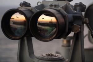 Navy_binoculars