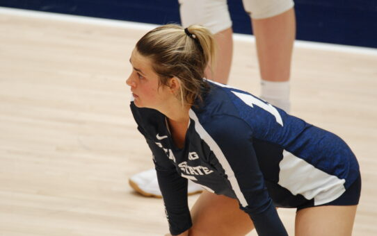 Jenna Hampton Settles Into Libero Role For Penn State Volleyball